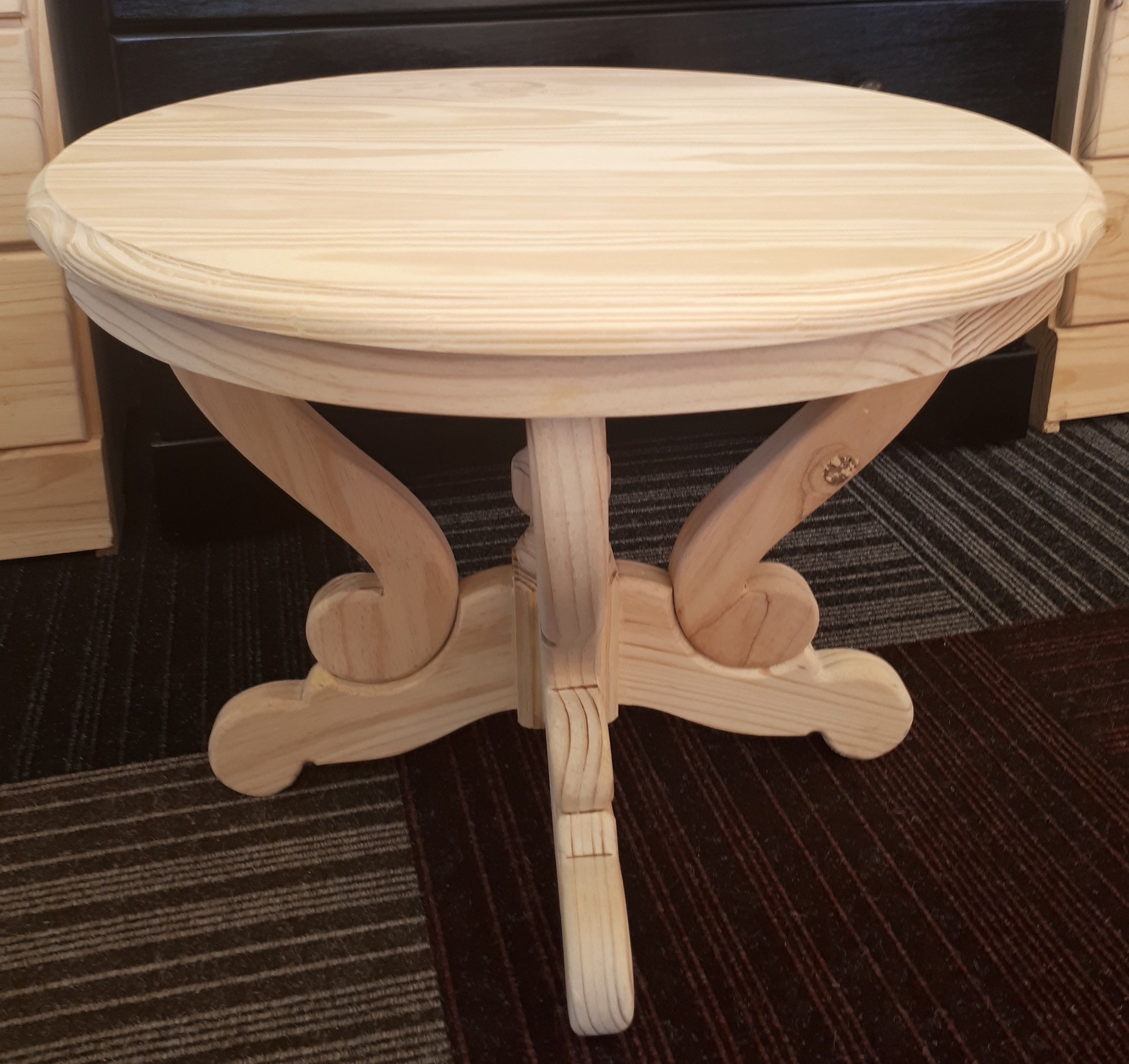Lodge Coffee Table 600×450