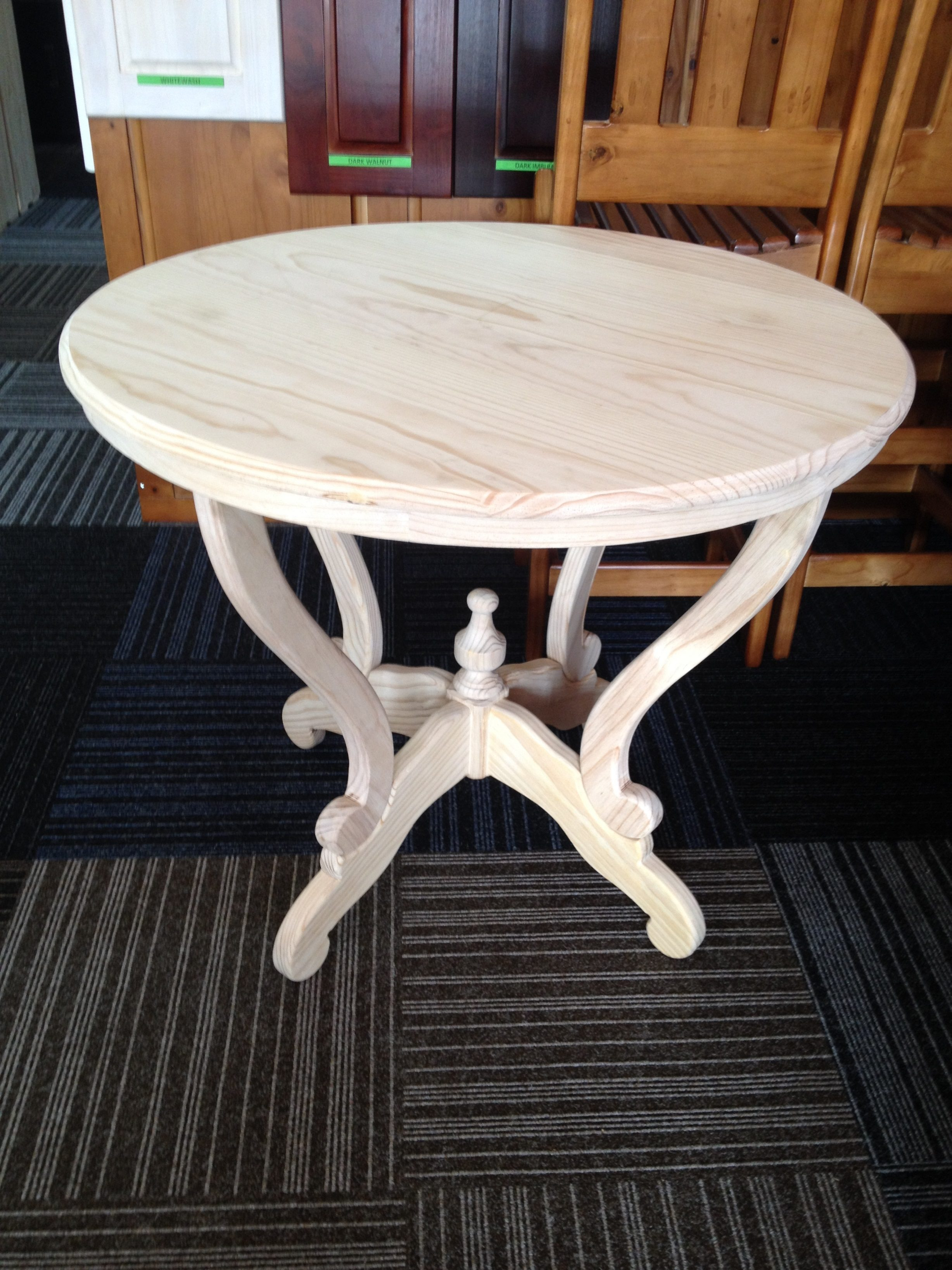 Lodge Round Table 900mm