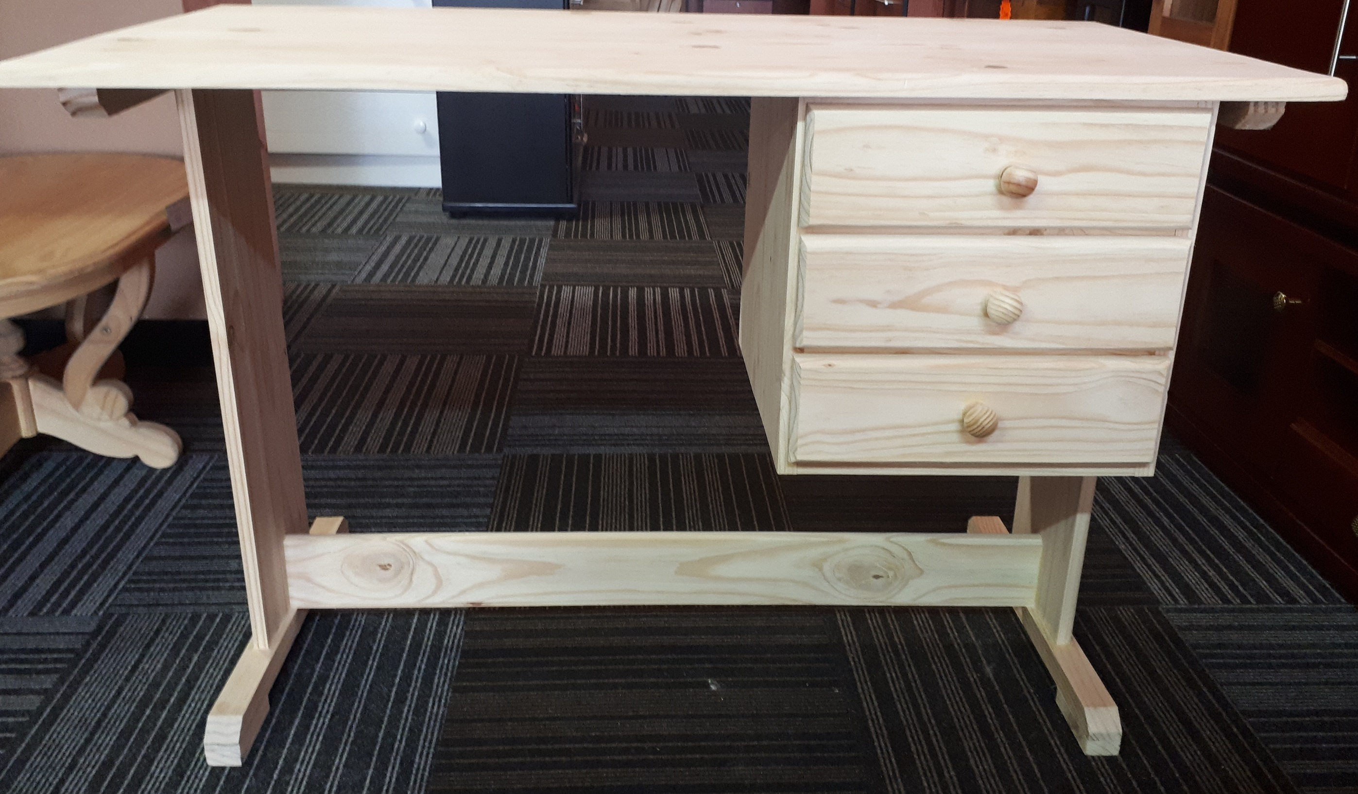 3 Drawer Desk 1200×600