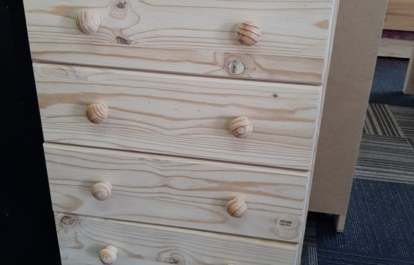 600mm Wide Chest of Drawers GM4
