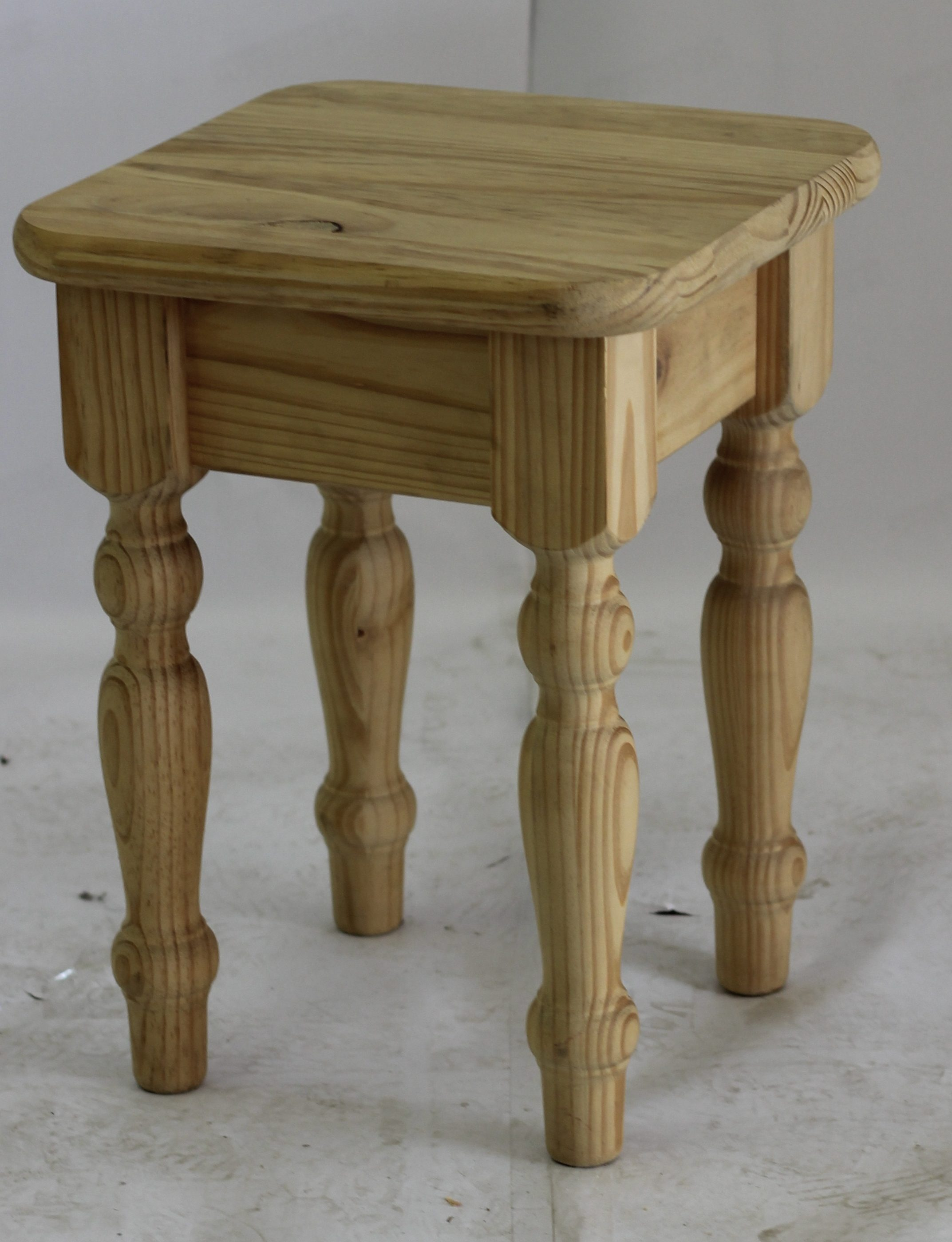 Cottage Coffee Table 450×450